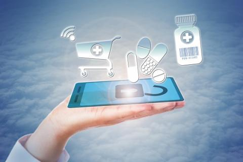 Lorsque le pharmacien assure la vente en ligne de médicaments sans prescription, il fournit aussi, à cet effet, des informations de santé en ligne.