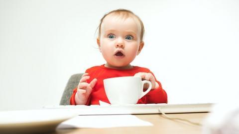 La caféine, chez les bébés prématurés nés à moins de 29 semaines, contribue à booster le développement de leur cerveau
