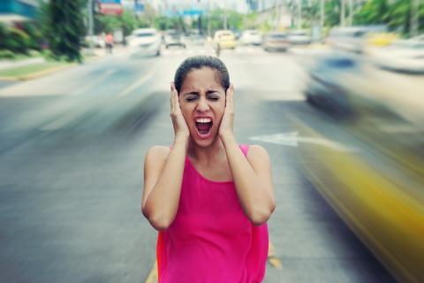 Le bruit génère du stress et affecte notre sommeil. Il modifie les niveaux d'hormones et augmente la pression artérielle. Ces perturbations du sommeil dérèglent, entre autres, le métabolisme du glucose et modifient l'appétit.