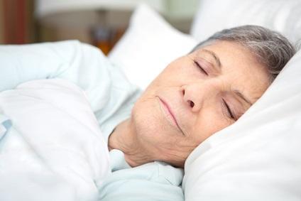 Chez le patient âgé, une somnolence chronique pendant la journée est en effet associée à un risque multiplié par 3 de dépôts cérébraux de bêta-amyloïde.