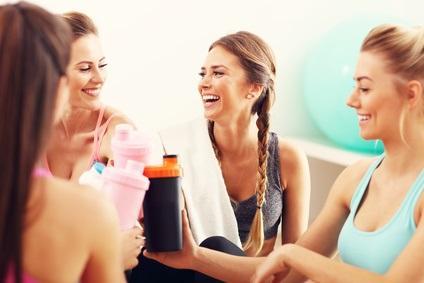 Deux études constatent des changements positifs plus importants chez les femmes que chez les hommes