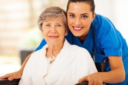Madame B., 93 ans, diagnostiquée avec hémiplégie droite et incontinence urinaire permanente est institutionnalisée depuis peu en EHPAD