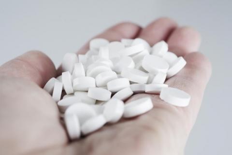 L'utilisation de médicaments antiépileptiques est associée à un risque accru de maladie d'Alzheimer et de démence, et précisément de 15% de maladie d'Alzheimer et de 30% de démence pour une durée d'utilisation supérieure à un an.