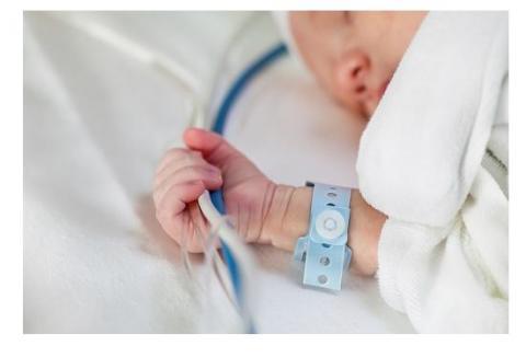 Inhaler une solution saline hypertonique peut aider les bébés atteints de mucoviscidose (fibrose kystique) à mieux respirer