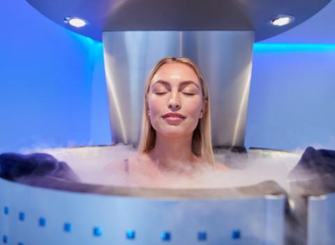 La cryothérapie appliquée au corps entier devrait être considérée comme une approche complémentaire efficace dans le traitement de la fibromyalgie approche complémentaire efficace dans le traitement de la fibromyalgie.