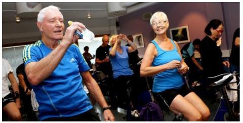 l'exercice c'est un peu comme la nutrition : il s'agit d'amener ces « aînés » à pratiquer mais aussi à se tenir ensuite à un plan d'exercice.