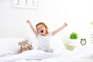 Le manque de sommeil chez les enfants constitue toujours un problème de santé sous-estimé dans nos sociétés occidentales