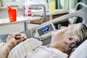 La maladie d'Alzheimer détruit les neurones-mêmes qui nous empêchent de dormir.