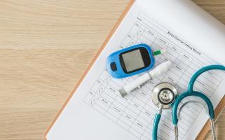 Les personnes atteintes de diabète ont souvent une réparation déficiente des vaisseaux sanguins donc une plus grande vulnérabilité aux troubles cardiovasculaires.