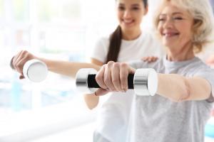 La pratique de l'exercice est vitale pour limiter le risque cardiovasculaire, plus élevé, chez les patients rhumatismaux (Visuel Adobe Stock 167649644)