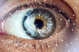 Evaluer régulièrement les capacités sensorielles pour évaluer les capacités cognitives (Visuel Adobe Stock 175074088)