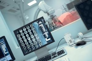Certains médicaments hypotenseurs s'avèrent également liés à une moindre perte de la mémoire et à une meilleure santé cognitive chez les personnes âgées (Adobe Stock 177987016)
