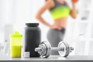 """La musculation est une activité physique de plus en plus largement pratiquée et reconnue comme un type d'exercice """"en force"""" indispensable pour la santé (Visuel Adobe Stock 178752510)"""