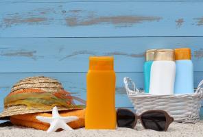 Les écrans solaires, même utilisés de manière optimale pour prévenir les coups de soleil, permettent une excellente synthèse de la vitamine D