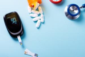 Les agonistes des récepteurs du GLP-1 réduisent également le risque de crise cardiaque, d'accident vasculaire cérébral (AVC), l'insuffisance et la mort subite cardiaque (Adobe stock 213466019)