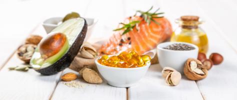 Une consommation régulière d'oméga-3, d'origine animale et végétale, renforce les membranes cardiaques et contribue ainsi à réduire le risque de réadmission à l'hôpital et la mortalité après un premier infarctus du myocarde (Visuel AdobeStock_246020888).