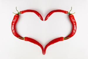 Une consommation régulière de piment, grâce à des effets cardiovasculaires positifs pourrait permettre de vivre plus longtemps (Visuel Adobe Stock 313560184).