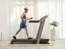 L'exercice permet d'accélérer la récupération des patients présentant des symptômes persistants du COVID (Visuel Adobe Stock 319021838)