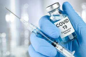Le laboratoire Pfizer et l'entreprise allemande BioNTech annoncent les premiers résultats positifs de leur candidat vaccin contre le COVID-19 (Visuel Adobe Stock 327257834)