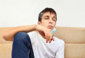Les fumeurs actuels encourent un risque de décès prématuré par maladie cardiovasculaire multiplié par 3 par rapport aux personnes qui n'ont jamais fumé (Visuel AdobeStock_330968902)
