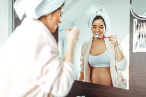 Les problèmes dentaires peuvent avoir des conséquences encore mal connues, notamment durant la grossesse  (Visuel Adobe Stock 372482079)