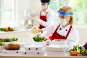 L'Institut de sécurité allemand n'a eu connaissance d'aucun rapport d'infection par le SRAS-CoV-2 résultant de la consommation de viande ou d'un contact avec des produits carnés contaminés (Visuel Adobe Stock 388165700)