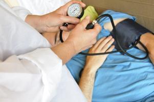 Les complications cardiovasculaires sont majoritairement associées aux formes plus sévères du COVID-19 (Visuel Adobe Stock 67172054)