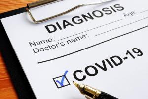 Au fur et à mesure que les connaissances cliniques sur COVID-19 s'améliorent, il est possible que les estimations s'améliorent aussi.