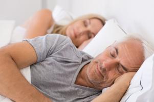 40% des personnes ayant des problèmes de sommeil fréquents déclarent une santé globale « limite » ou médiocre