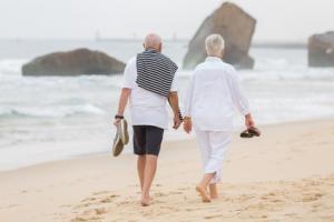 Madame B., âgée de 68 ans, mariée, est vue une première fois au domicile pour rétention urinaire chronique dans le cadre d'une vessie neurologique.