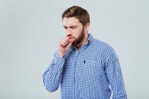 L'auteur invite les médecins généralistes et les urologues à faire passer à leurs patients un test de toux debout