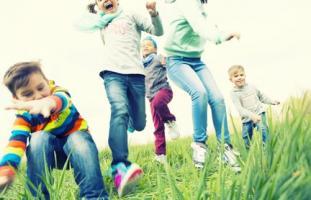 Les bébés prématurés passent moins de temps à « socialiser » durant la petite enfance
