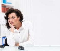 Contrairement à la plupart des antidépresseurs, qui peuvent des semaines à agir sur les symptômes dépressifs, la kétamine peut en effet « sortir », quelques minutes après son administration, une personne d'une profonde dépression et ses effets peuvent durer plusieurs semaines
