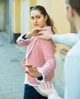 L'étude sensibilise aux effets des « mots » ou autres types de harcèlement sexuel (sexting) parfois tout aussi redoutables que le harcèlement sexuel physique.