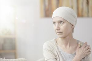 Les patientes atteintes de cancer du sein peuvent être exposées à un risque accru de maladies cardiovasculaires, dont l'insuffisance cardiaque