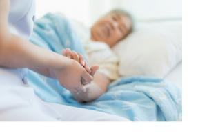 Elargir encore le suivi hospitalier au-delà du retour au domicile ?