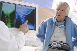 46% des femmes et 38% des hommes atteints de polyarthrite rhumatoïde précoce ne parviennent pas à la rémission dans l'année.