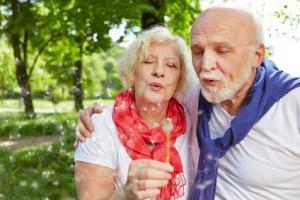 C'est le regard plutôt positif sur la sexualité des plus de 50 ans, apporté par cette étude de l'Université de Manchester qui rappelle que vieillissement ne rime pas forcément avec problèmes sexuels (Fotolia 72544324)