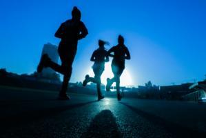 Marcher c'est bien. Mais un exercice plus vigoureux améliore 3 fois plus la condition physique (Visuel Fitsum Admasu)