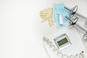 Pourquoi l'obésité est-elle si courante chez les patients atteints de COVID-19 ?  (Visuel Adobe Stock 336483357)