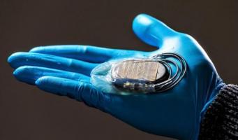 Cette petite « housse » va simplifier les procédures chirurgicales chez les patients porteurs d'un « pacemaker ».