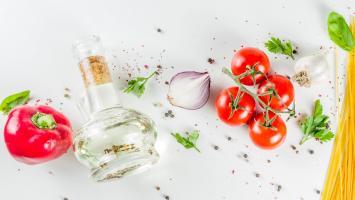 L'inclusion d'aliments malsains peut diminuer considérablement les effets positifs d'une alimentation par ailleurs équilibrée et bénéfique (Visuel Adobe Stock 290526316)