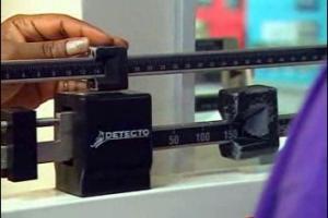 La pesée quotidienne est peut-être la clé pour perdre du poids ou maintenir son poids