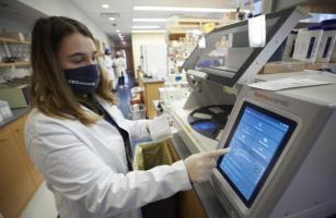 Pourquoi ce risque possible d'infection chez des personnes vaccinées ? (Visuel Matthew Septimus/The Rockefeller University)