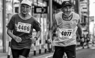 C'est l'interaction de 2 facteurs psychologique qui influence l'humeur et le bien-être au cours du vieillissement