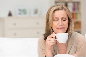 Boire son café après le petit-déjeuner et pas avant ou au début, permet de maintenir un meilleur contrôle métabolique (Visuel Fotolia)