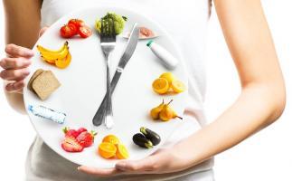 Ce que nous mangeons, combien et quand, nos habitudes alimentaires modifient nos horloges internes et nos réponses hormonales