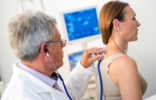 Plus de 60% des patients, quel que soit le traitement prescrit, adhèrent moins de 20% du temps de traitement ;