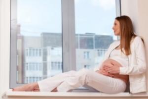 """Le stress maternel prénatal au début de la grossesse/gestation entraîne une reprogrammation complète du fœtus qui doit faire face """"à une espérance de vie réduite""""."""