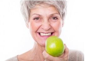 La parodontite touche près de la moitié des adultes âgés de 30 ans et plus et, à un stade avancé, elle peut entraîner une perte de dents.